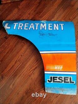 Rare Autographied Race Utilisé Richard Petty Quarter Panneau Fender Nascar Shepmetal