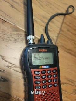 Scanner Uniden Sc230 Nascar Avec Électronique De Course Et Casques Trackscan